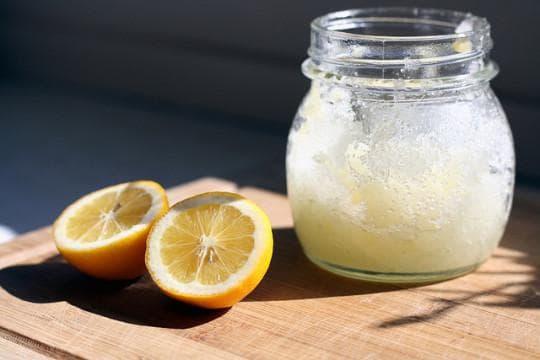 Захар, лимон и вода