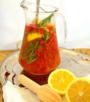лимонада с розматин, годжи бери и мед