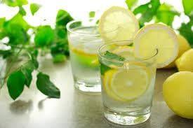 лимони и лимонов сок