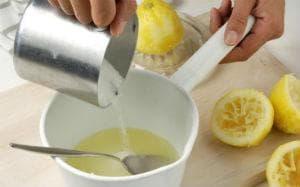Лимонов сок и захар
