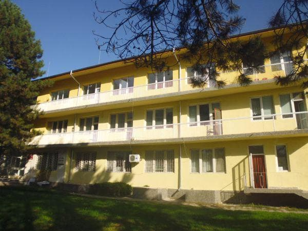 сградата на болницата