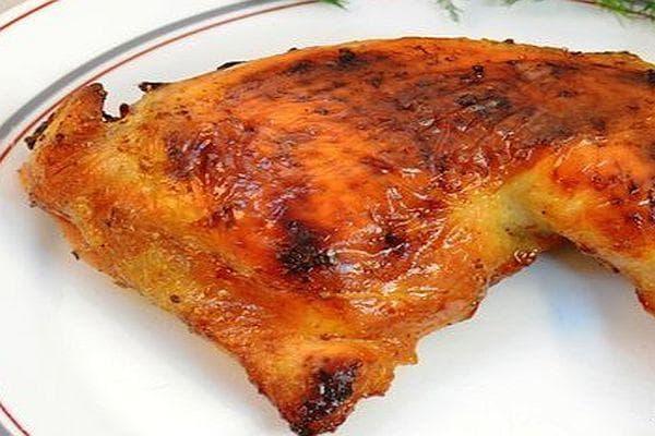 Печено пиле в марината от кисело мляко, соев сос и горчица