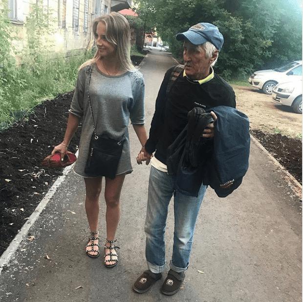 момичето и Анатолий