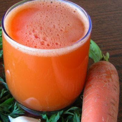 Сок от моркови с мед