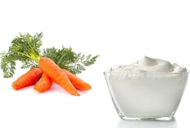 Сок от моркови и кисело мляко