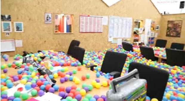 офис с балони