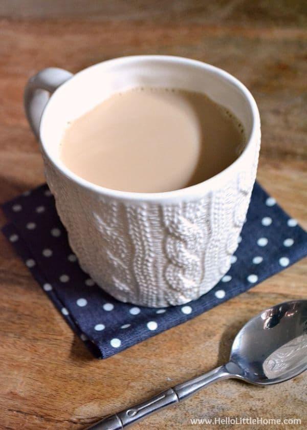 Напитка от мляко, канела и черен чай