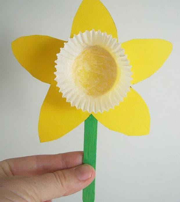 Слънчеви нарциси от хартия