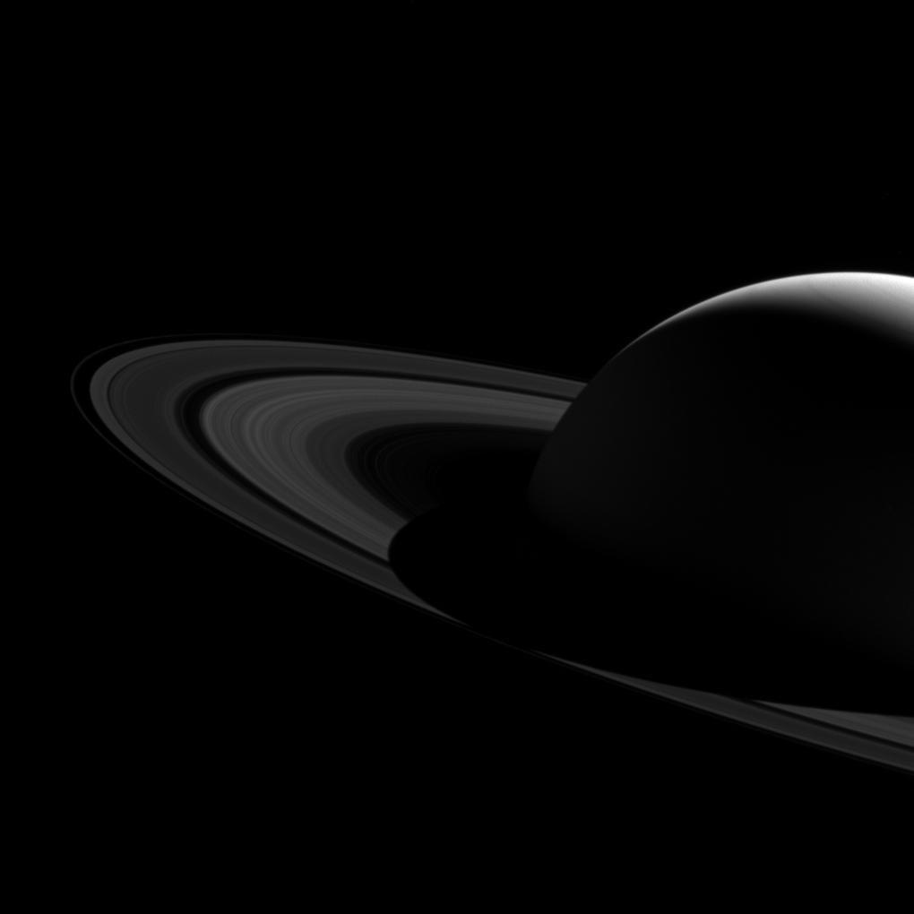 Сянката на Сатурн от мисията на