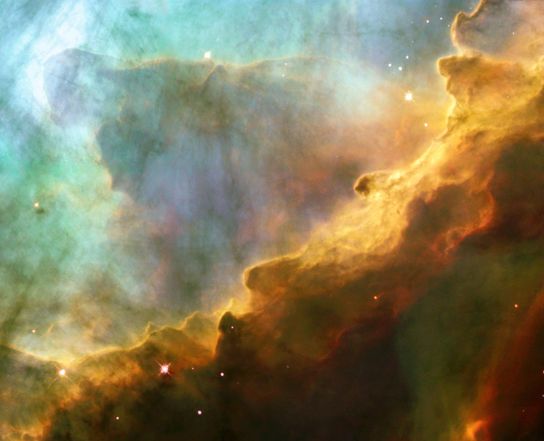 Мъглявината Омега заснета от Хъбъл