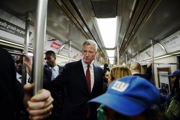 Кметът на Ню Йорк в градския транспорт