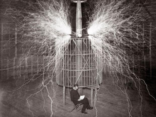 Трансформаторът на Тесла