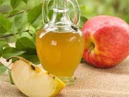 Ябълков оцет и ябълка