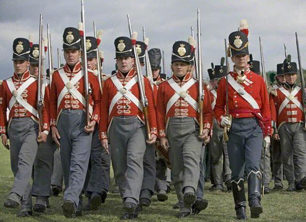 Британска военна униформа