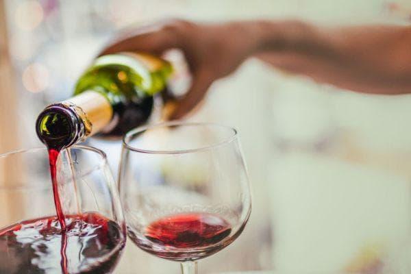 на бутилка вино