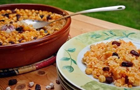 ориз с нахут, кедрови ядки и стафиди