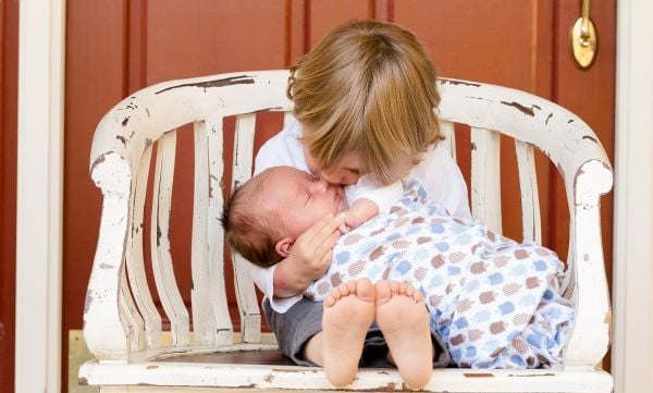 дете, бебе, дете и бебе