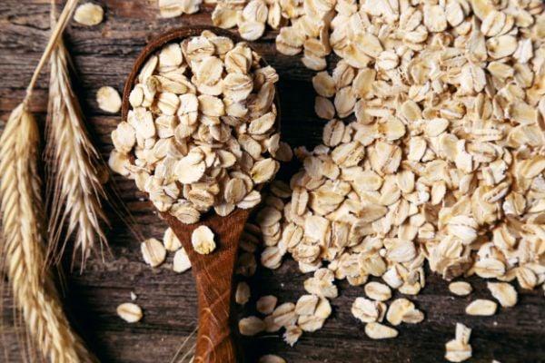 Овесените ядки са храна, богата на фибри, която помага при киселинен рефлукс.