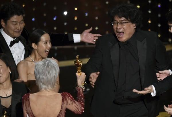 Паразит грабна Оскар за най-добър филм
