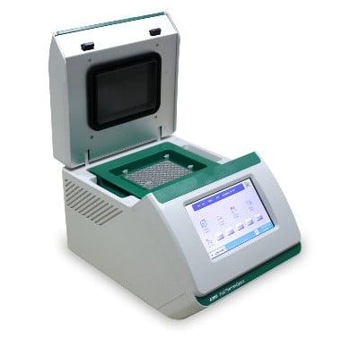 термоциклер (амплификатор)