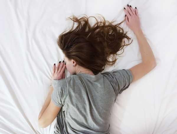 Болна жена в легло