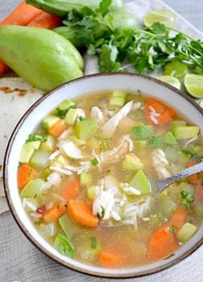 пилешка супа с тиквички,  ориз и зеленчуци