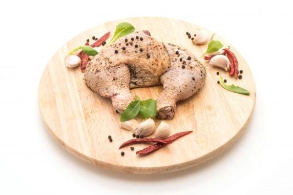 Пилешките крилца са добър източник на цинк и желязо, богати на протеин.