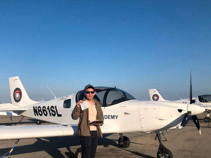 Пилотите подновяват лиценза си редовно
