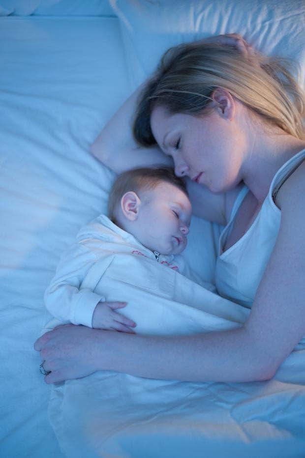 Повече сън за кърмещите майки