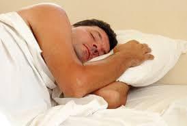Мъж по време на сън