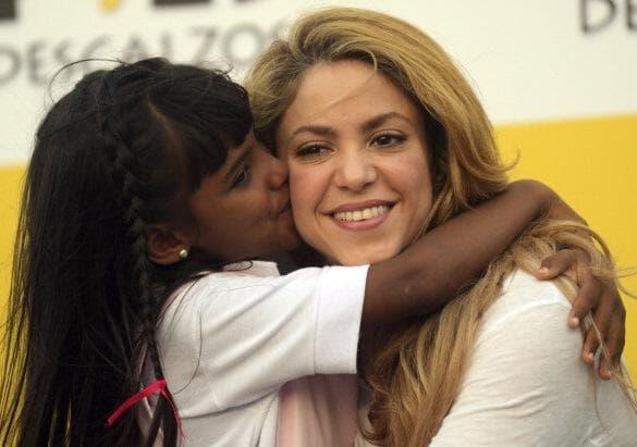 Шакира с дете