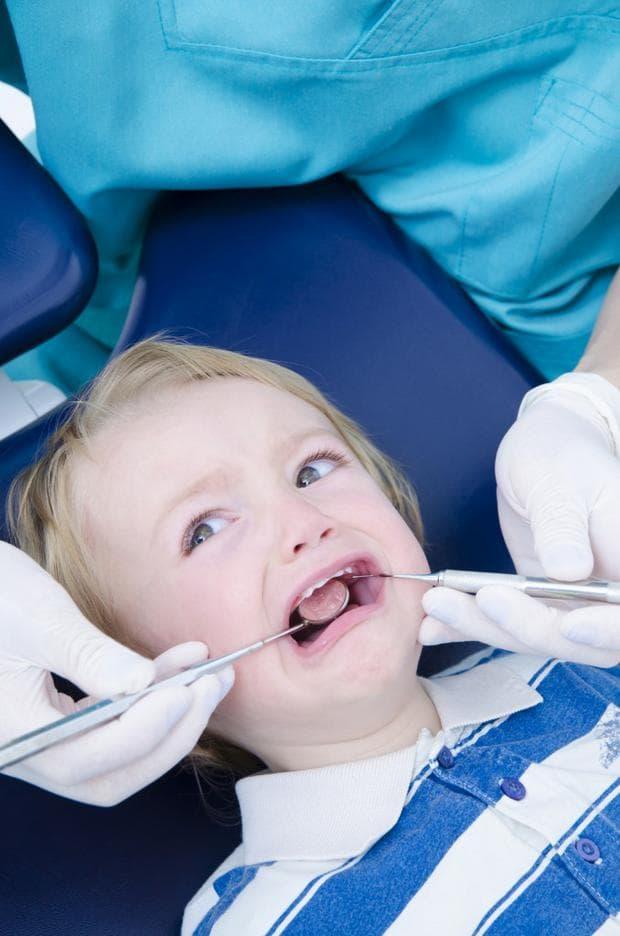 Преглед при стоматолог