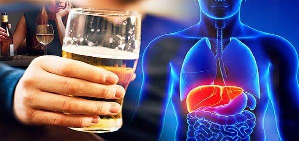 Причини и рискови фактори за развитие на алкохолна болест на черния дроб