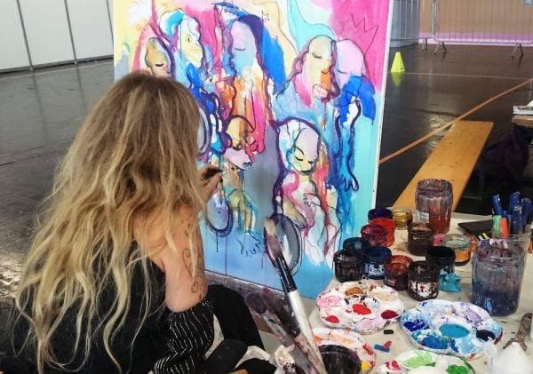 Присил рисува