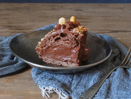 кейк с лешници и течен шоколад