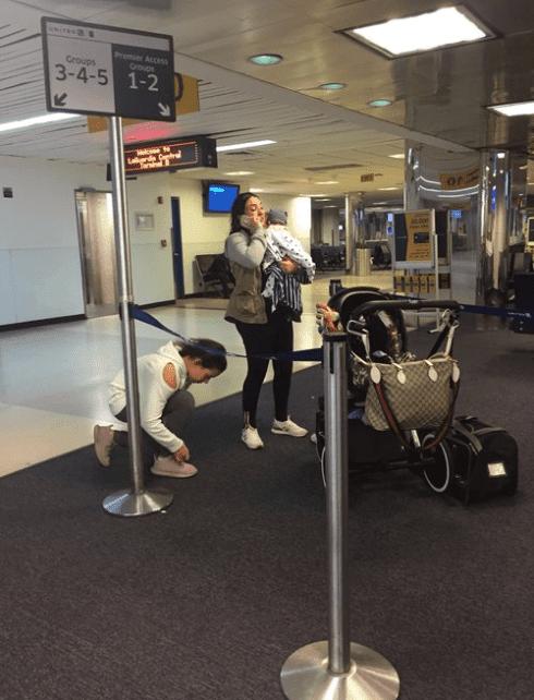 Пътничката с дъщеря си