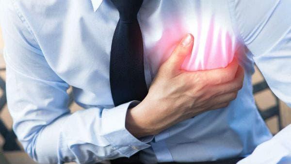 Ранно разпознаване на симптомите при инфаркт - гръдна болка с характерно разпространение