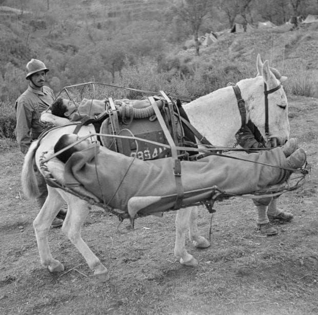 Един от начините за пренасяне на ранени войници