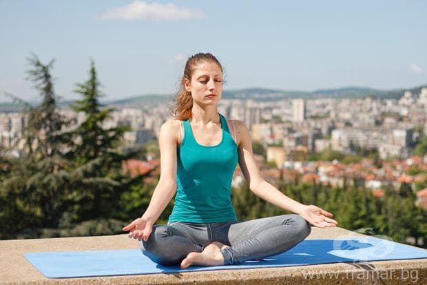 йога поза Лотос