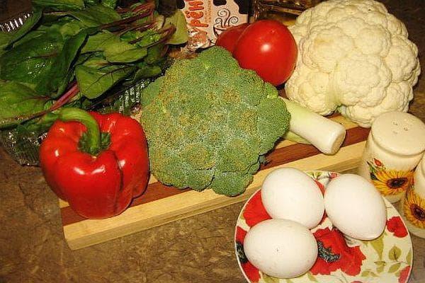 Рибена запеканка с броколи, карфиол и спанак