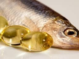 Риба и капсули рибено масло