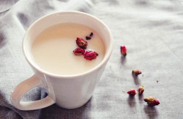 Рози и мляко