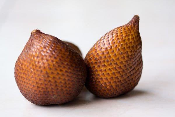 салак, змийски плод