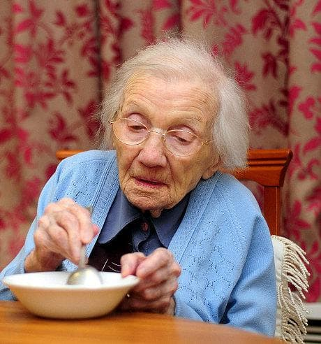 възрастна жена