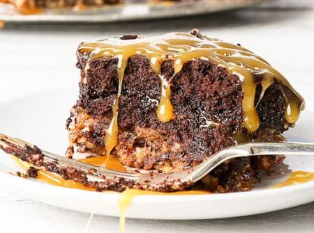 десерт с шоколад, карамел и бисквити