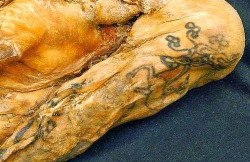 Татуировки на сибирска мумия