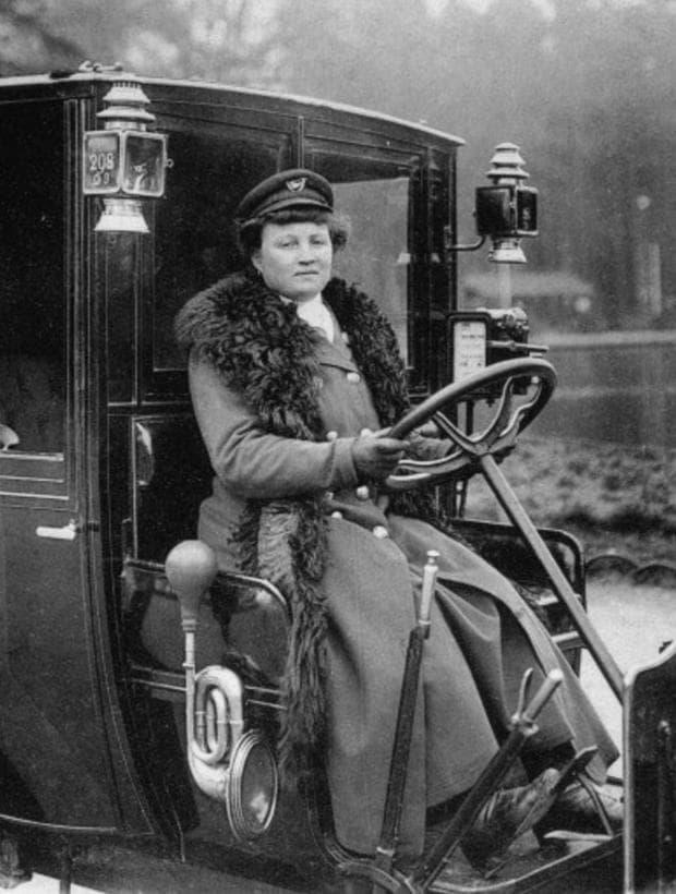 първата жена шофьор