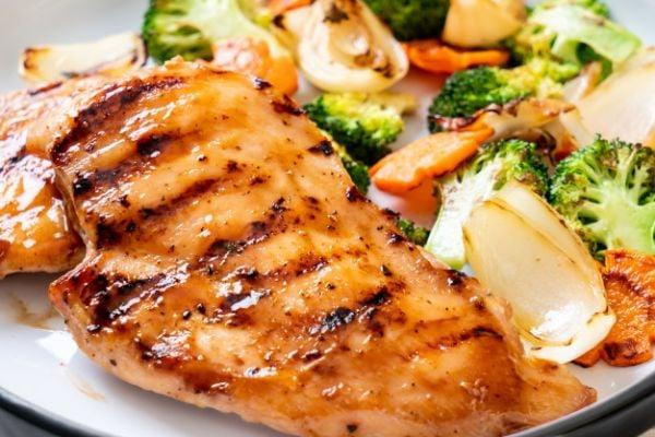 Сочни пилешки гърди на фурна.