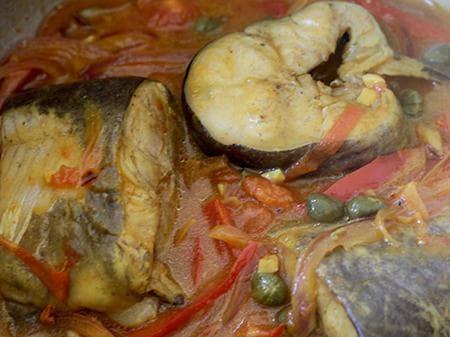 сом на фурна със зеленчуци