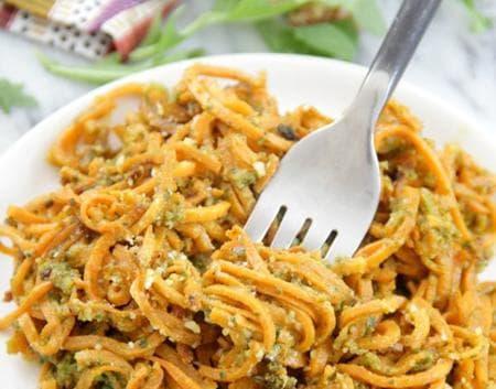 спагети от картофи с песто